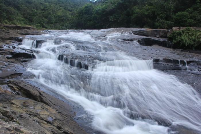 西表島滝トレッキングツアー